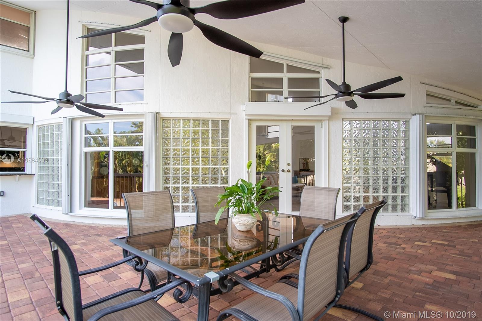 6320 Dolphin Dr, Kendall, Florida