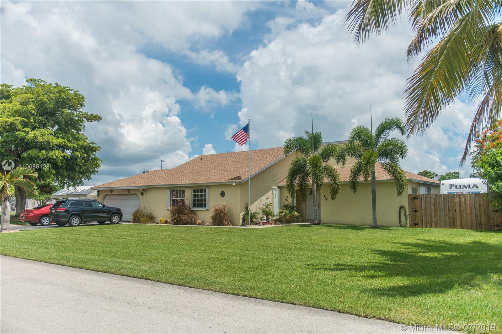 One of Homestead 4 Bedroom Homes for Sale at 16251 SW 282nd St