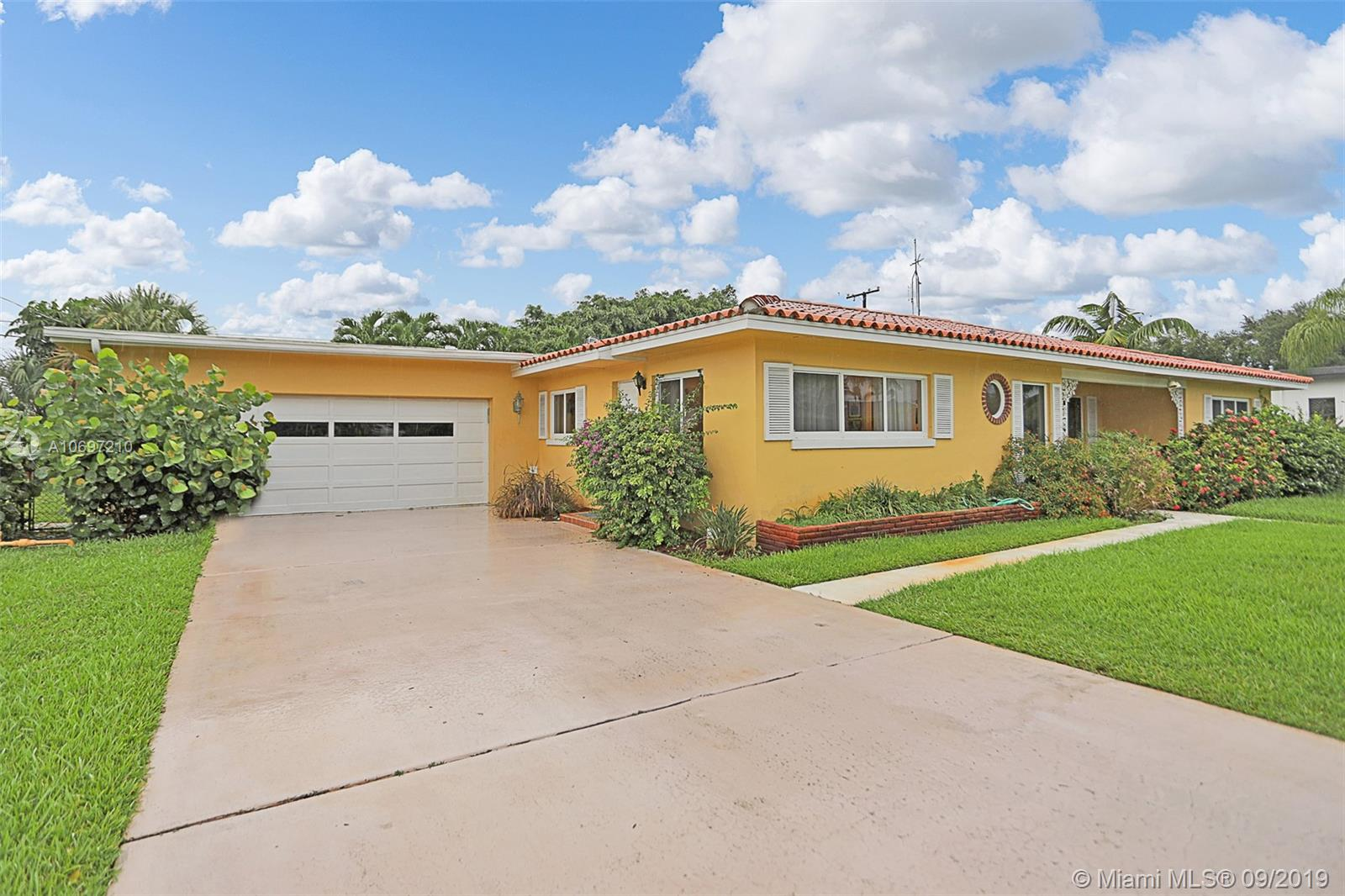317 Edmor Rd West Palm Beach, FL 33405