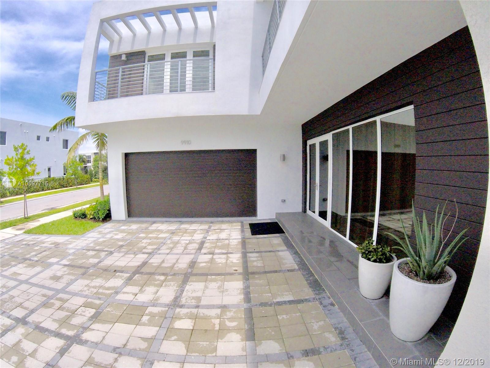One of Doral 5 Bedroom Homes for Sale at 9910 NW 74th Ter