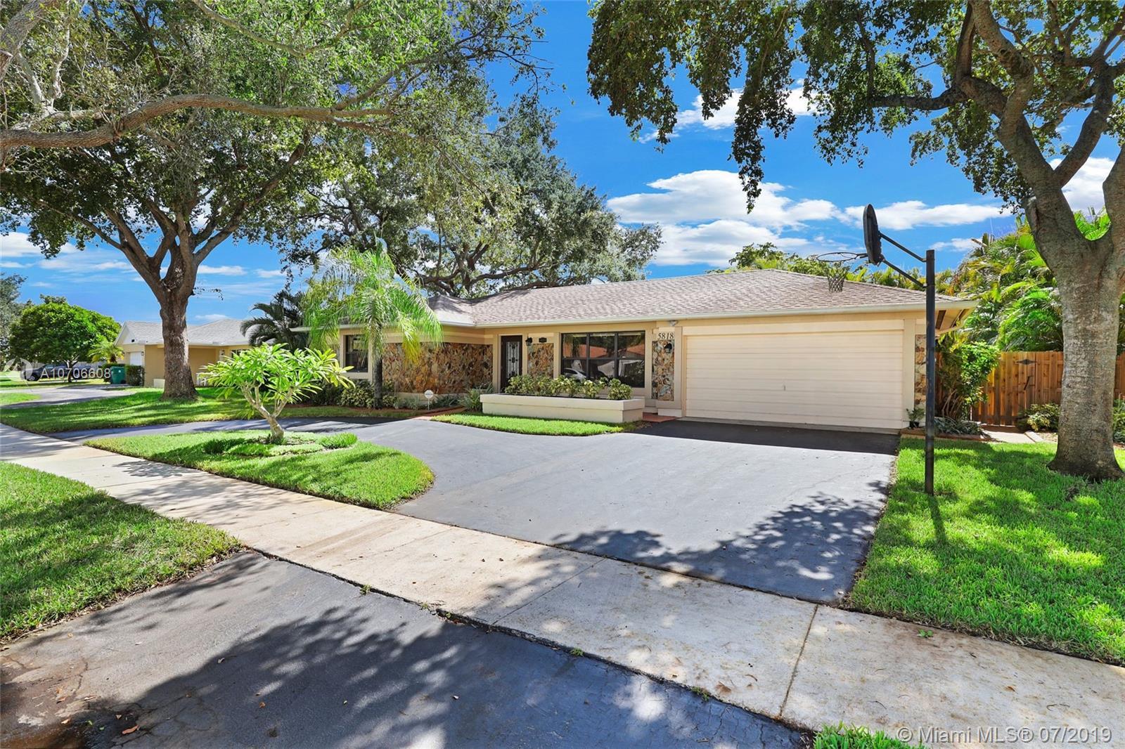 5818 SW 117th Ave, Cooper City, Florida