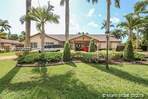 11865 SW 112th Ave Cir, Kendall in Miami-dade County County, FL 33176 Home for Sale