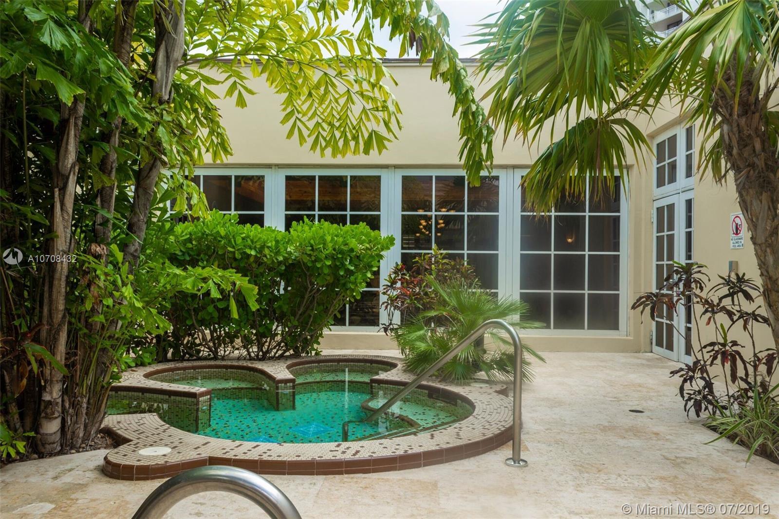2000 Towerside Ter Miami, FL