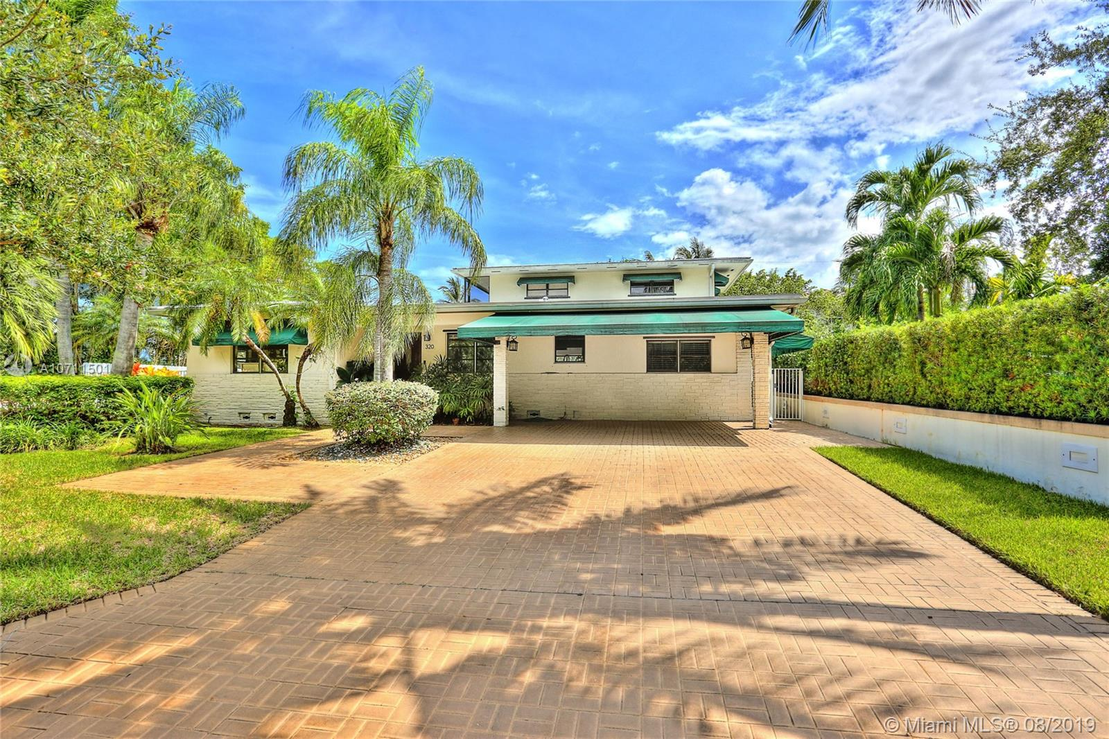One of Key Biscayne 3 Bedroom Homes for Sale at 320 W Mcintyre St