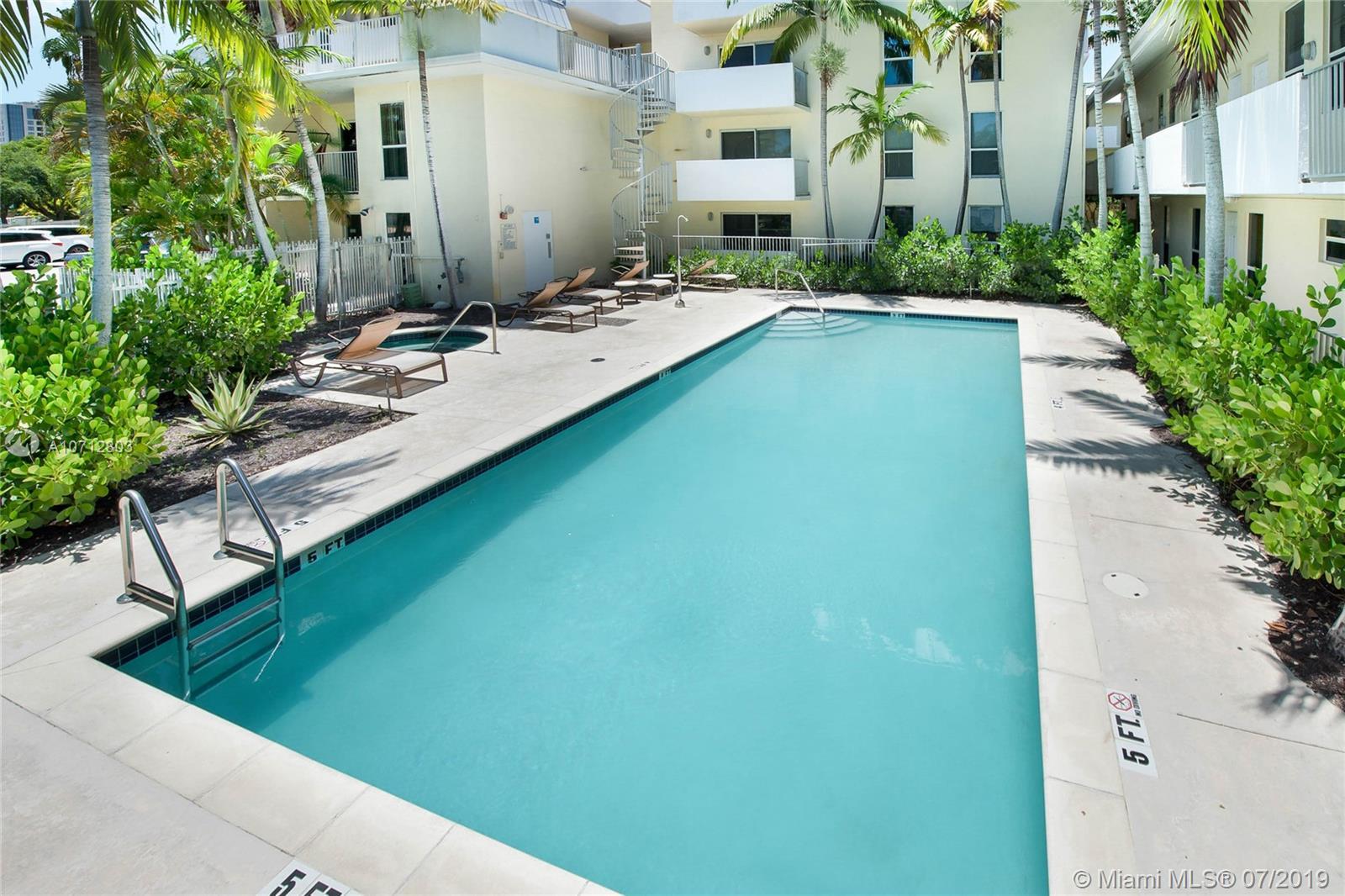 8950 SW 69th Ct Miami, FL