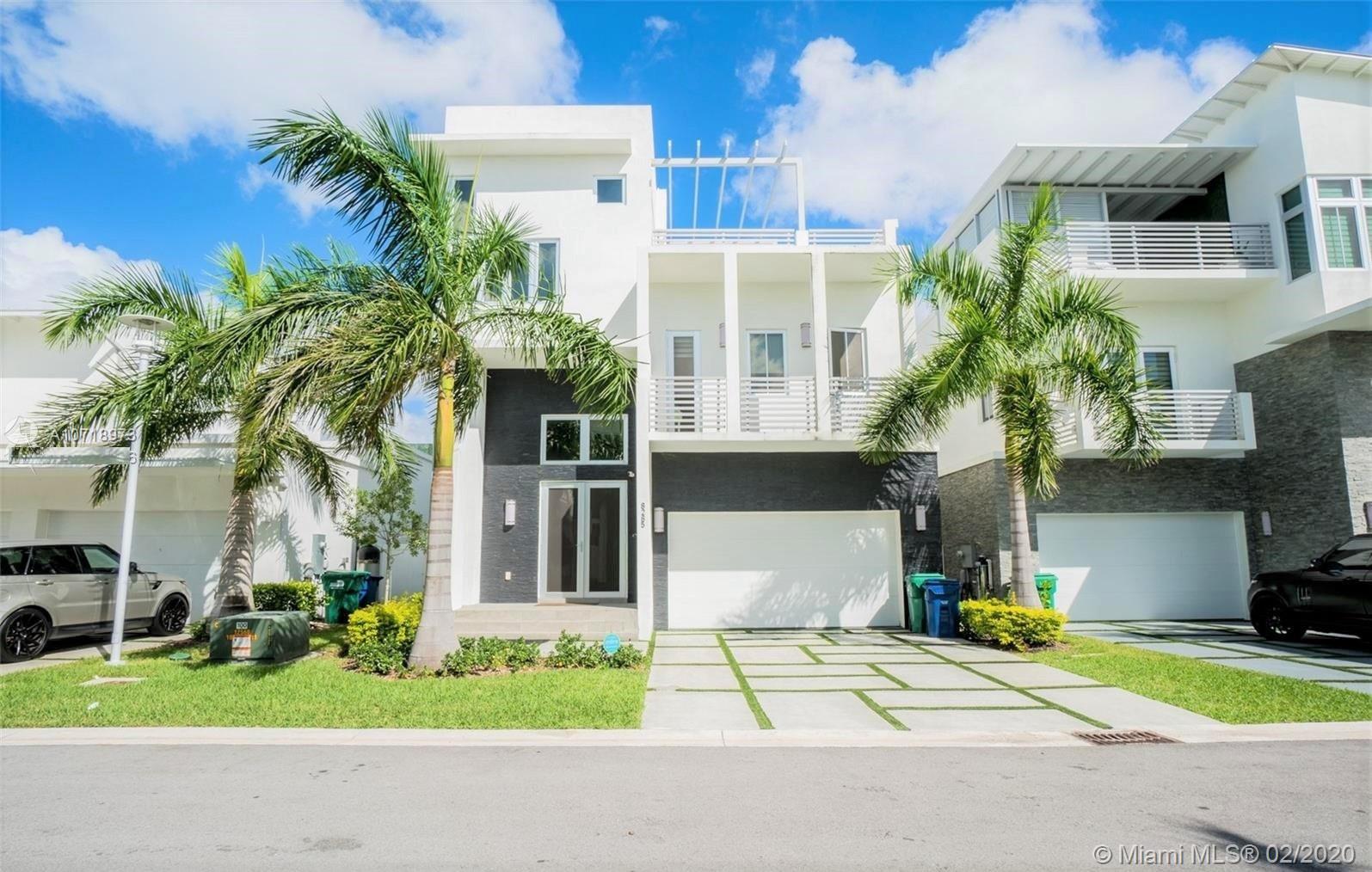 8285 NW 34 Dr, Doral, Florida