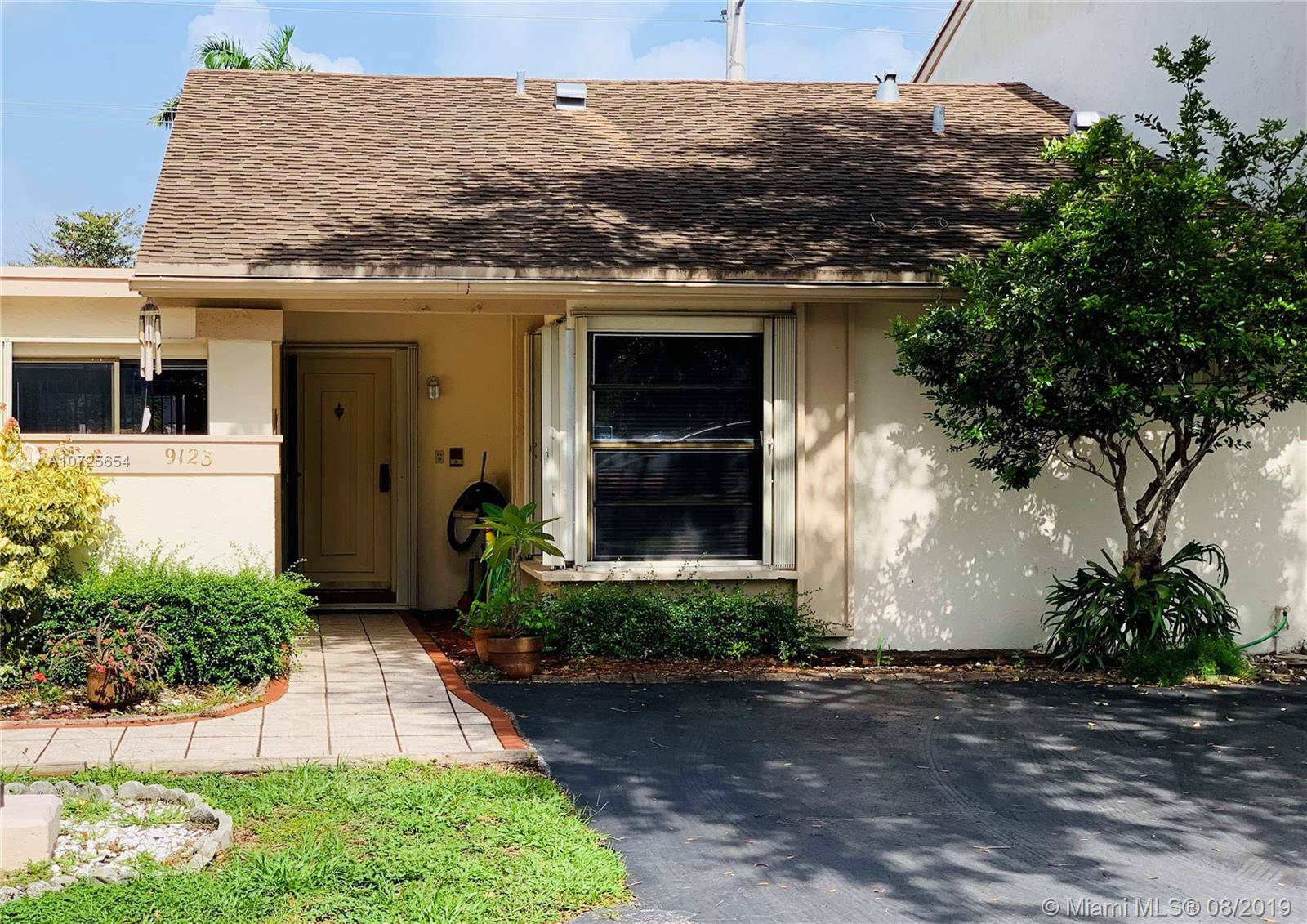 9123 SW 117th Ct, Kendall in Miami-dade County County, FL 33186 Home for Sale