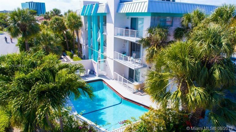 2715 NE 49th St, Sea Ranch Lakes, Florida