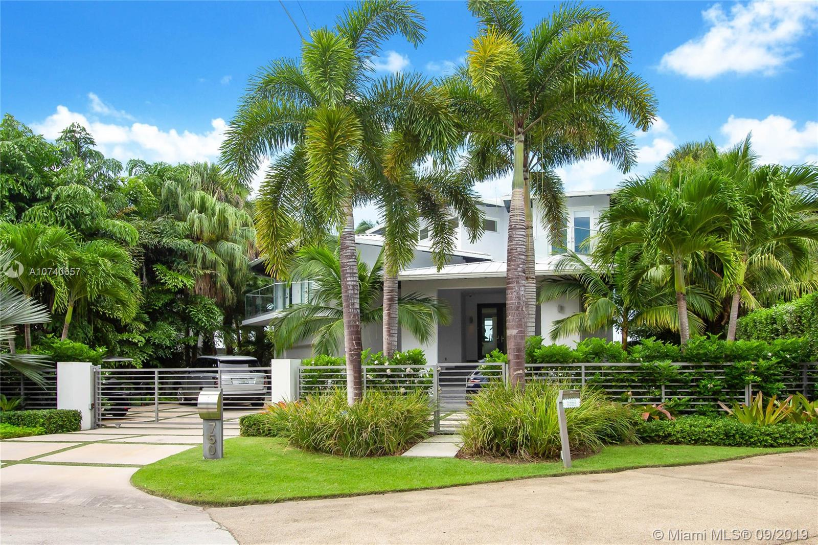 750 S Mashta Dr, Key Biscayne in Miami-dade County County, FL 33149 Home for Sale