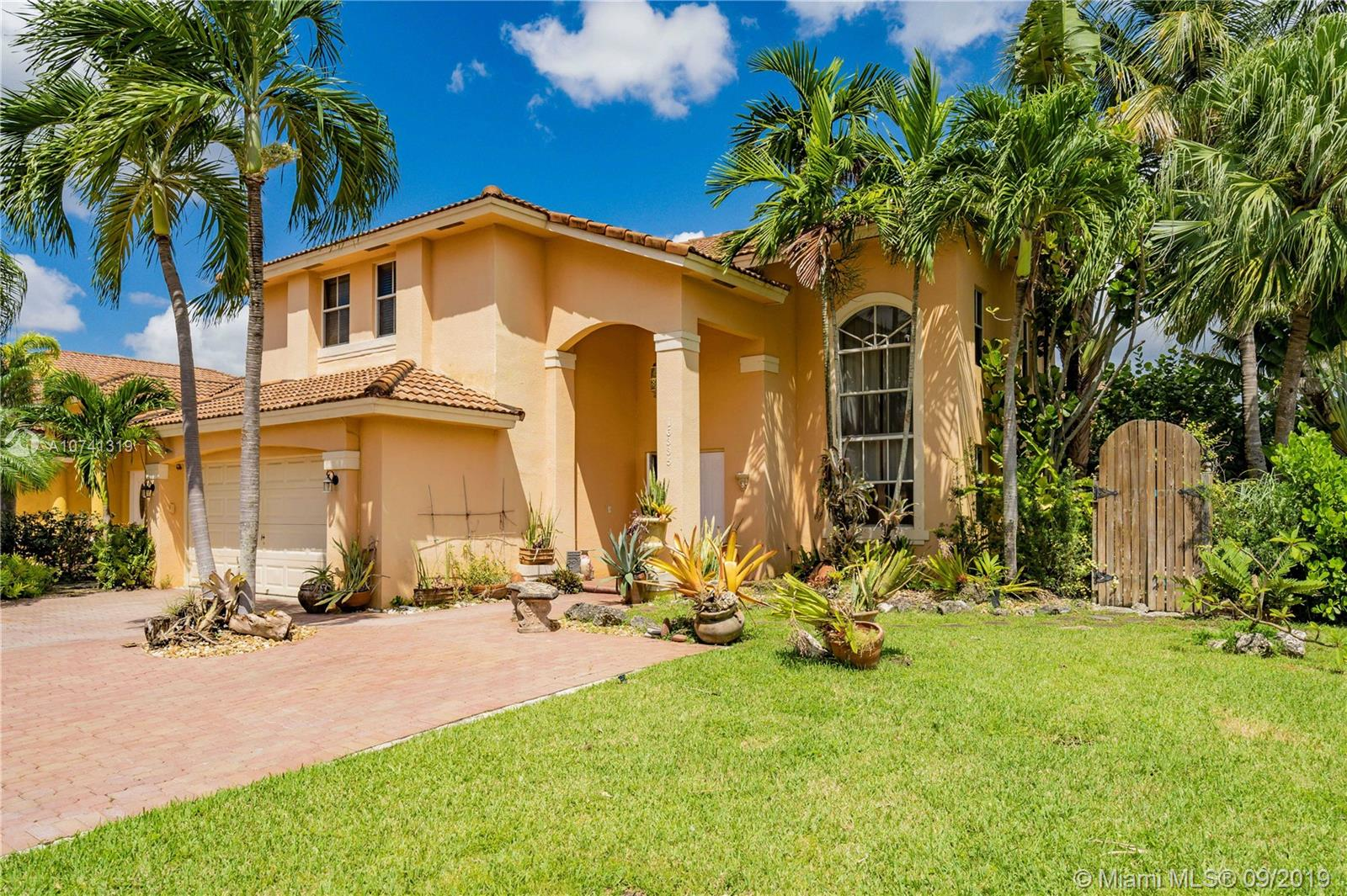 16335 SW 95th Ln, Kendall in Miami-dade County County, FL 33196 Home for Sale