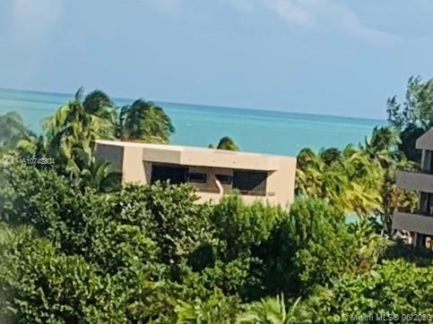 170 OCEAN LANE, Key Biscayne, Florida
