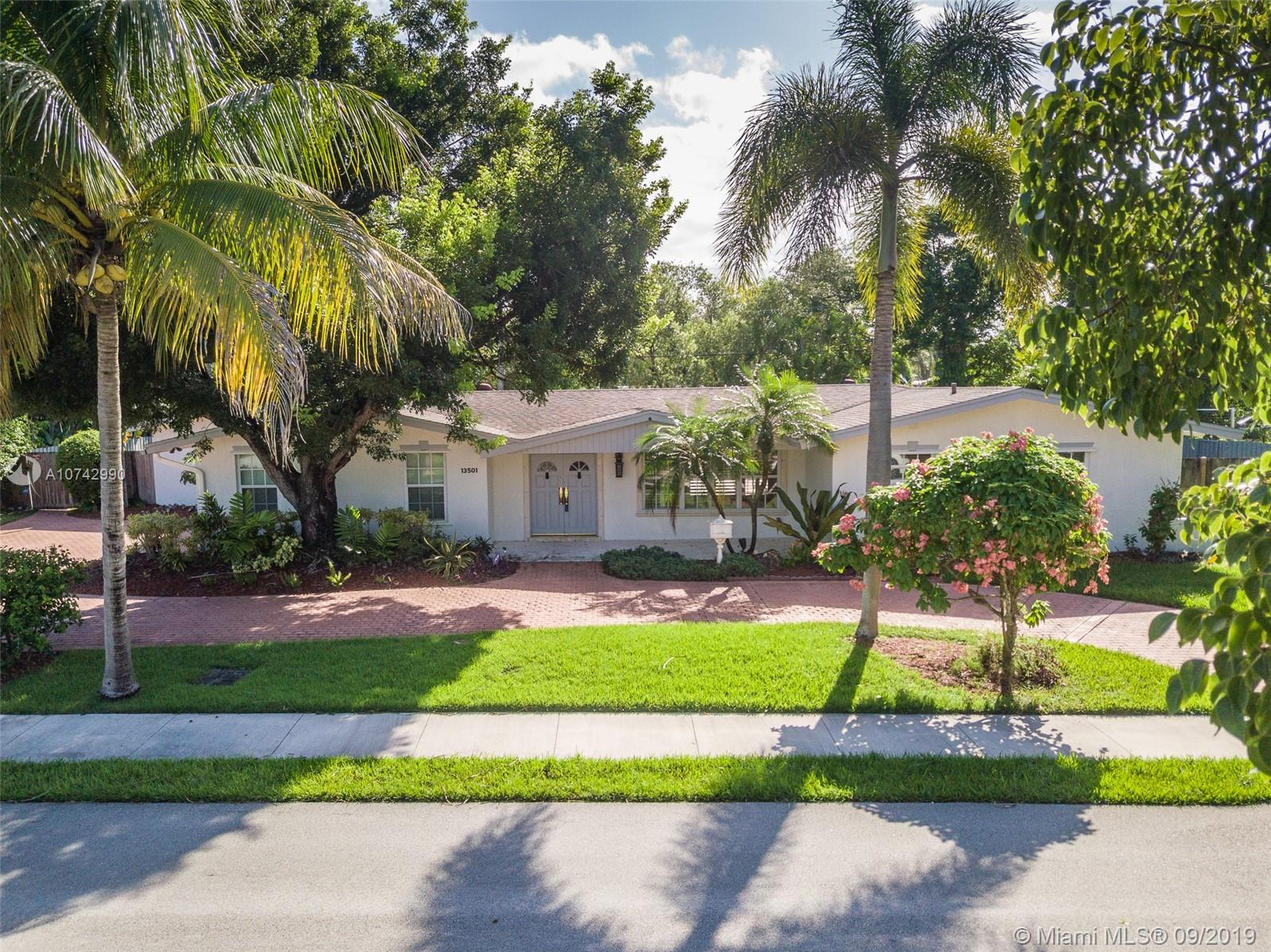 13501 SW 74th Ave, Kendall in Miami-dade County County, FL 33156 Home for Sale