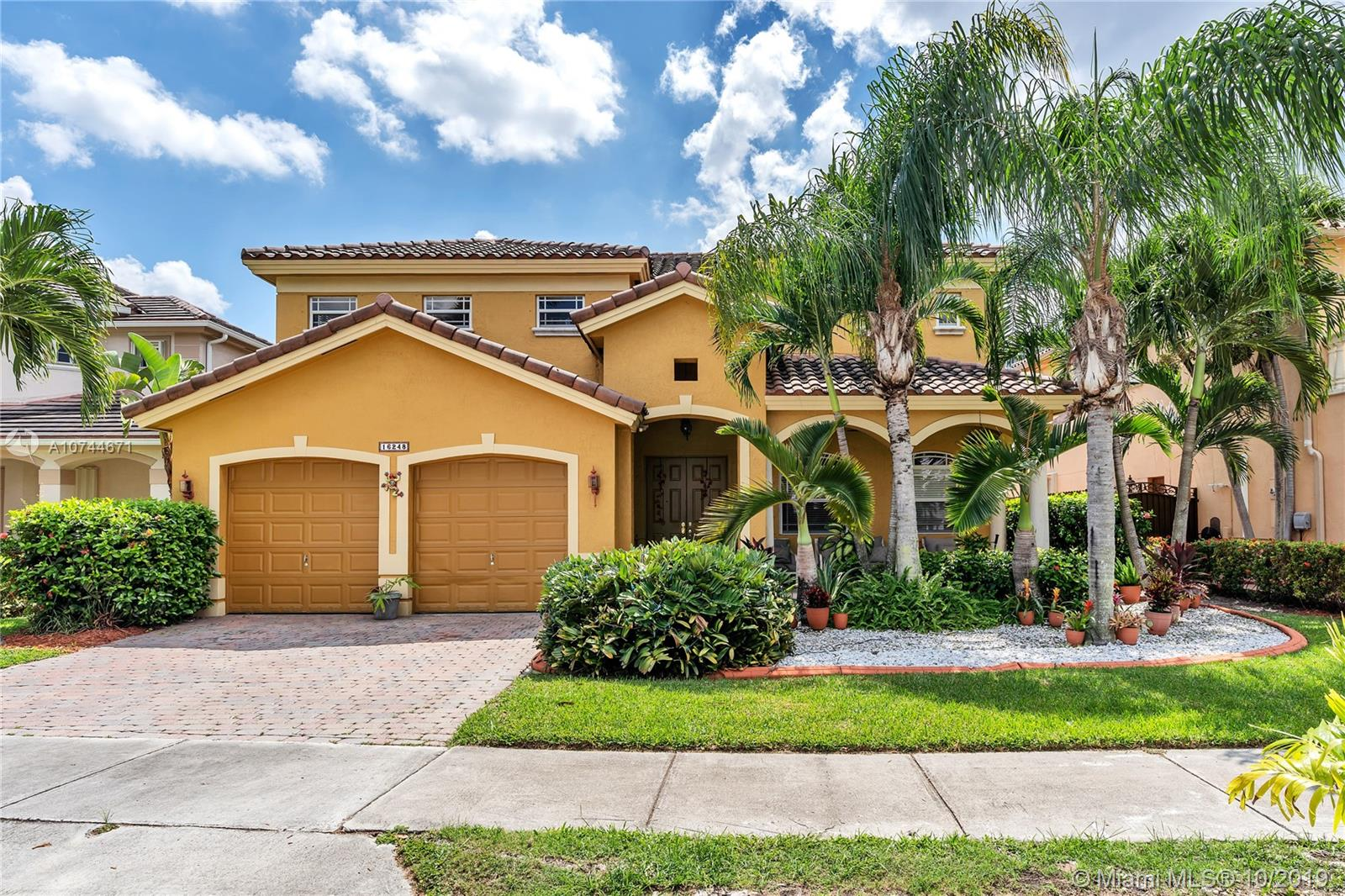 16248 SW 67th Ter, Kendall West, Florida