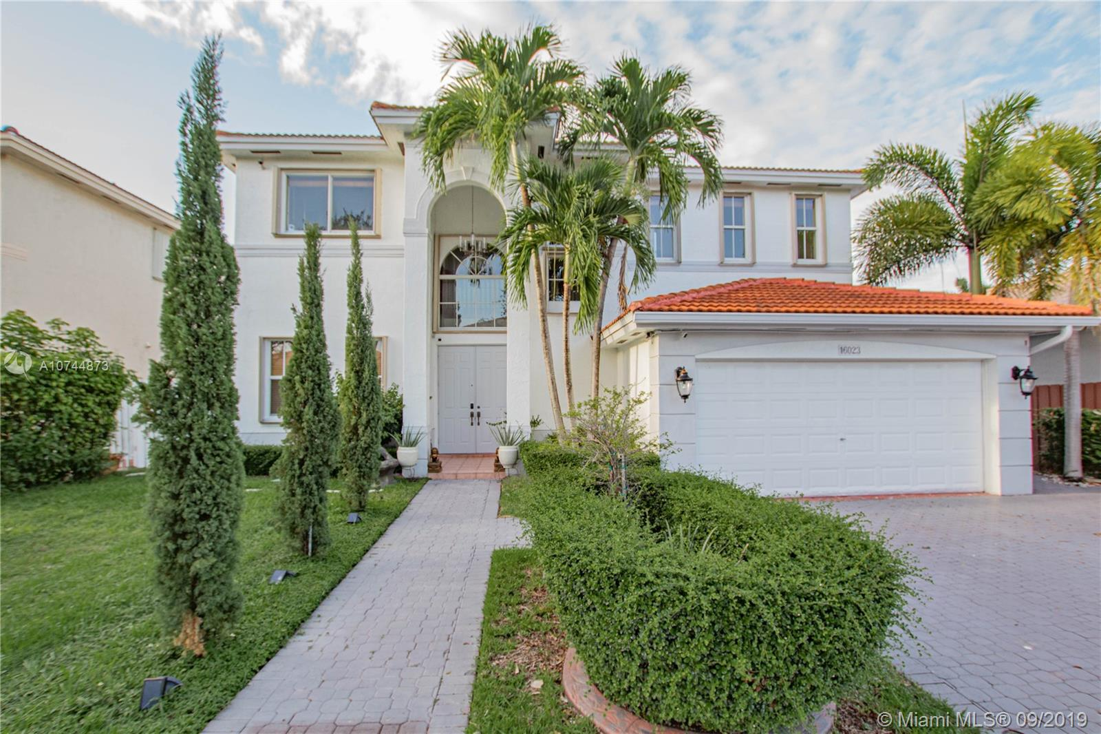 16023 SW 63rd Ter, one of homes for sale in Kendall West
