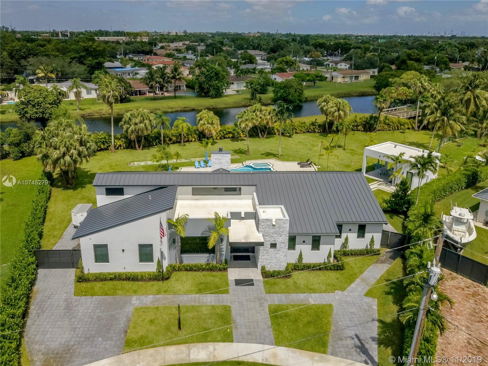 9355 SW 84th Ter, Kendall, Florida