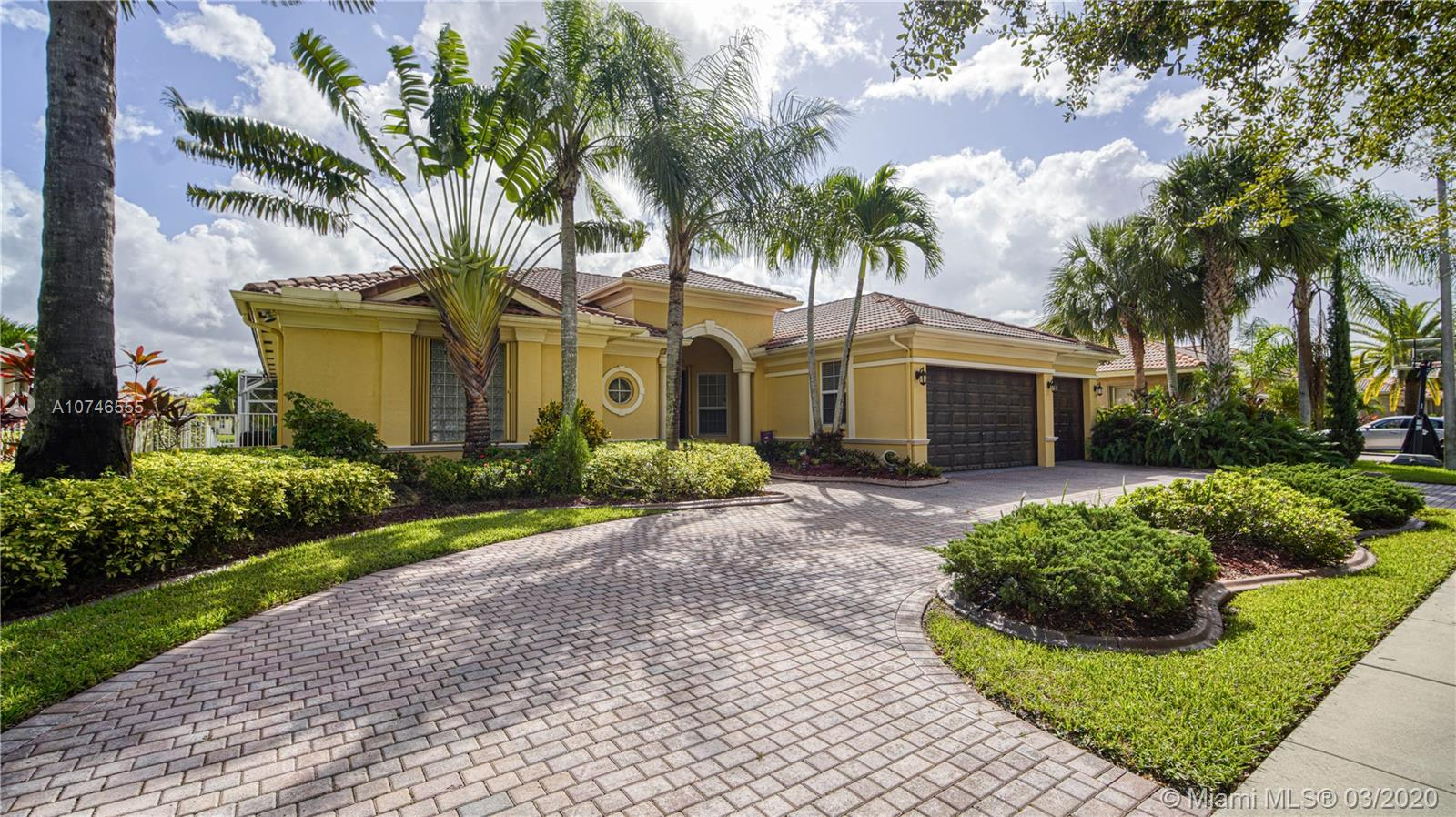 5058 Lakewood Dr, Cooper City, Florida