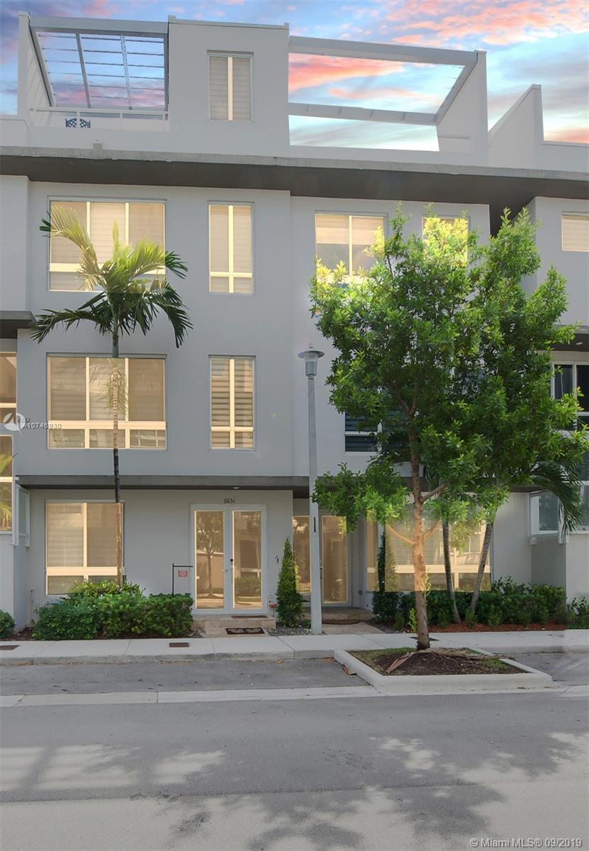 6651 NW 105th Pl, Doral, Florida