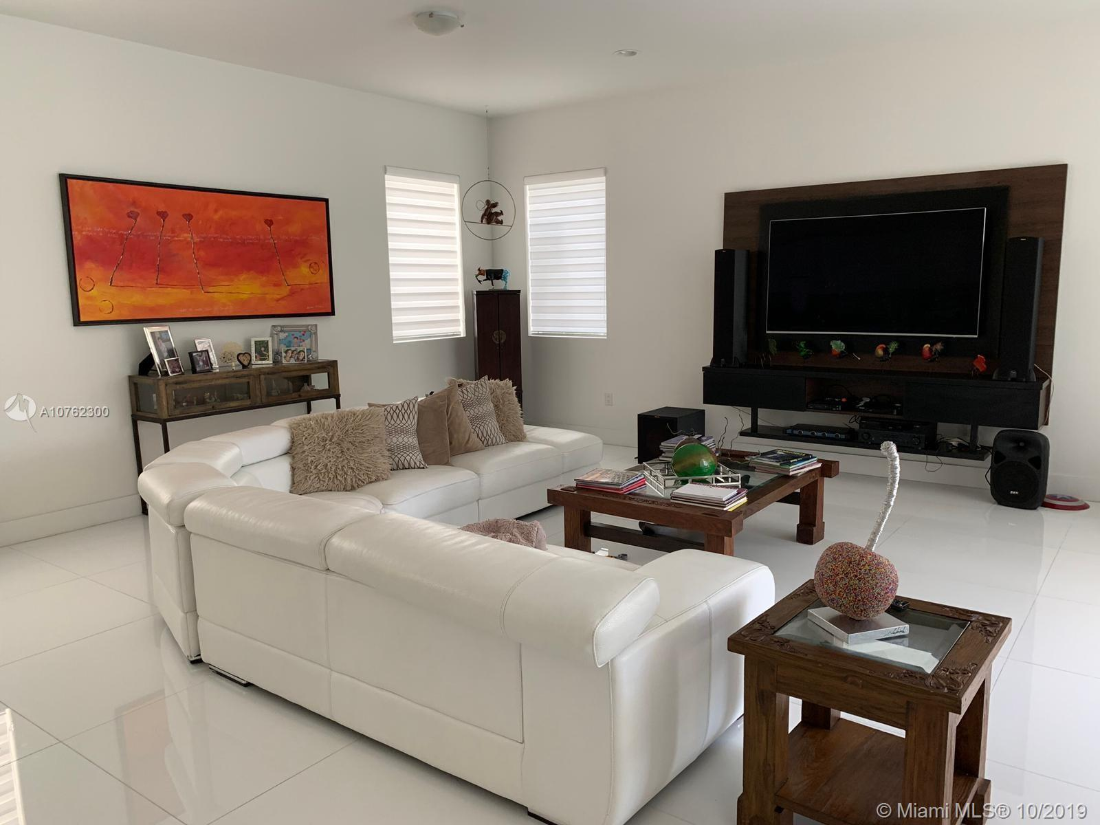 One of Doral 5 Bedroom Homes for Sale at 9975 NW 75th St
