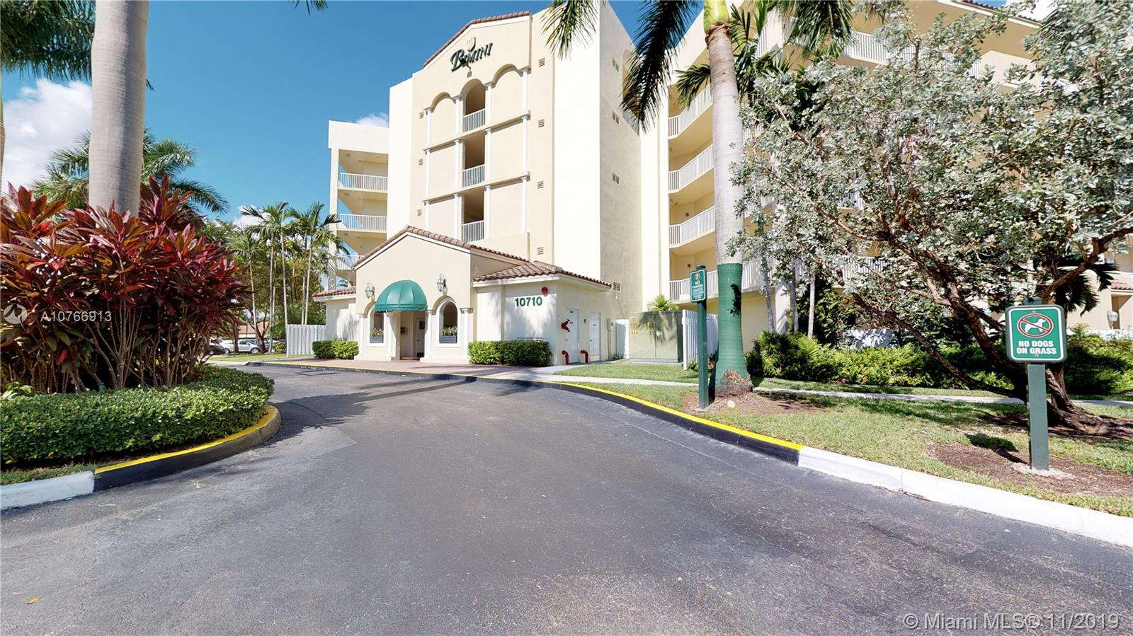 10710 NW 66th St, Doral in Miami-dade County County, FL 33178 Home for Sale