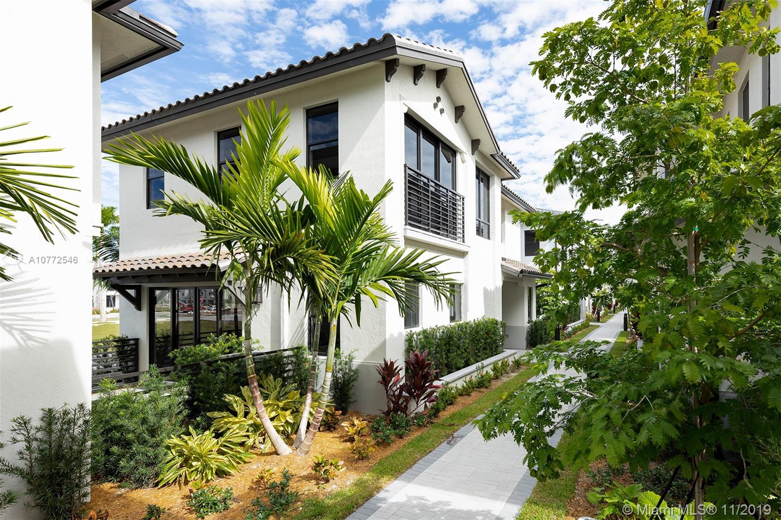 8268 NW 46th Ter 33166 - One of Doral Homes for Sale