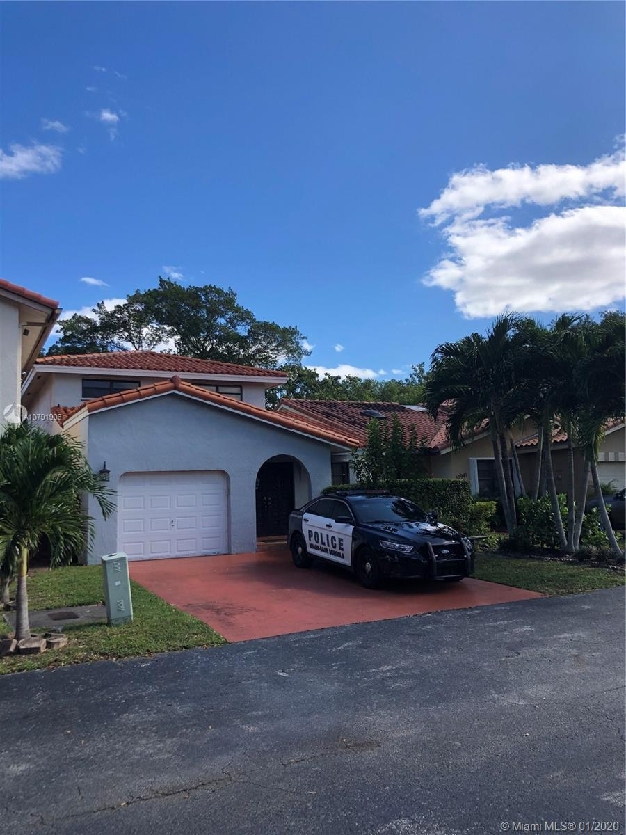 10931 SW 155th Pl, Kendall in Miami-dade County County, FL 33196 Home for Sale