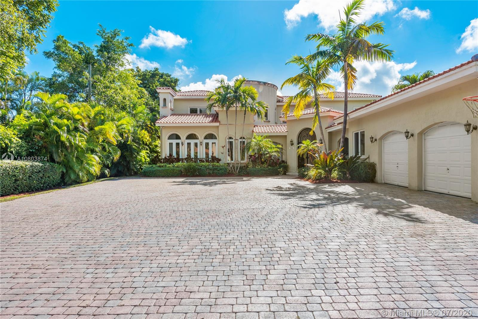 7290 SW 104th St, Coral Gables, Florida