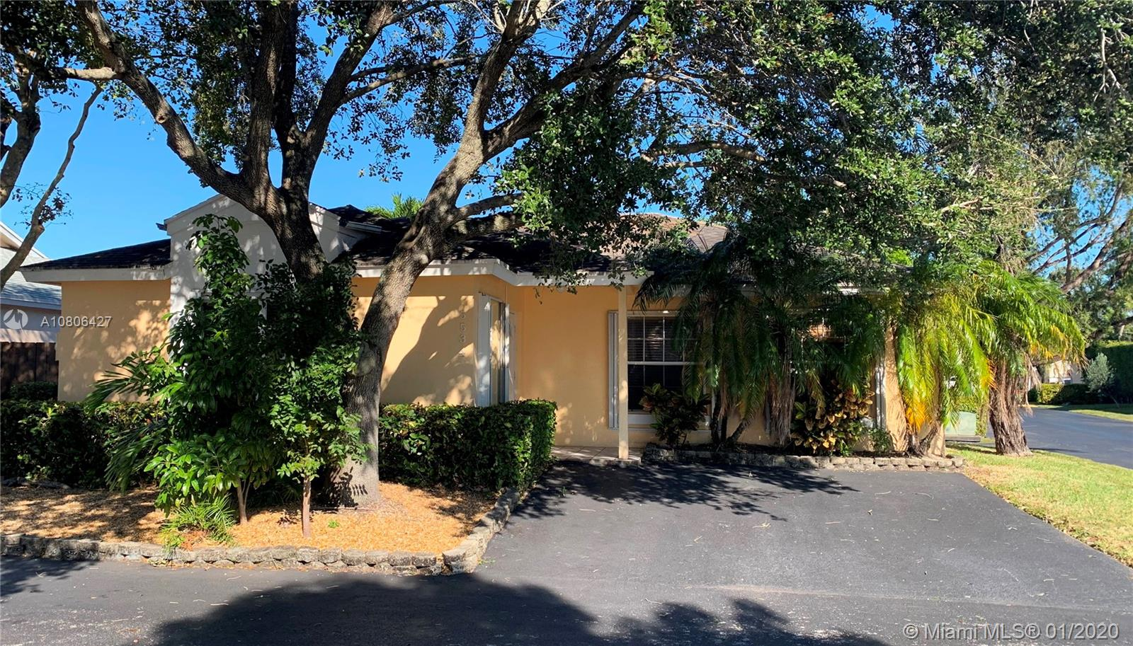 5534 NW 101st Ct, Doral in Miami-dade County County, FL 33178 Home for Sale