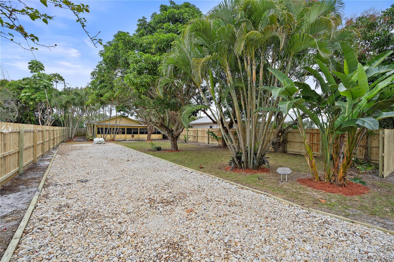 9313 SE Saturn St, Hobe Sound, Florida