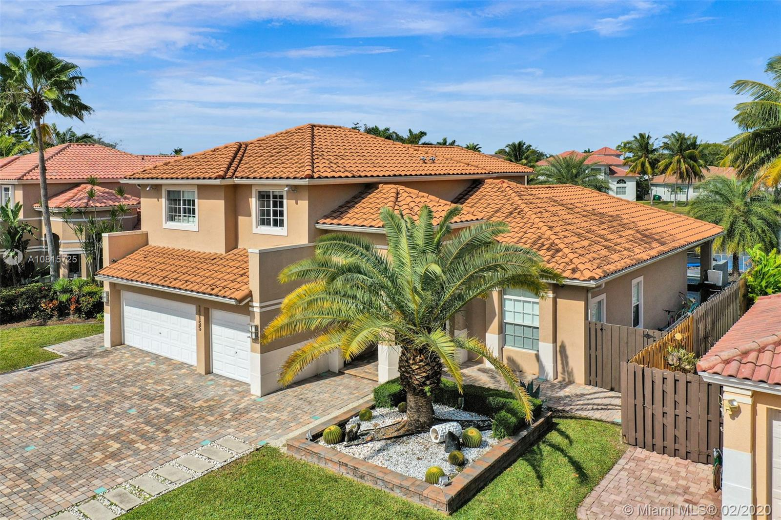11155 NW 70th St, Doral, Florida
