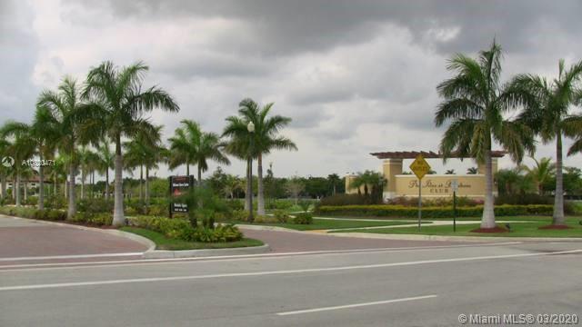 22841 SW 88th Pl Miami, FL