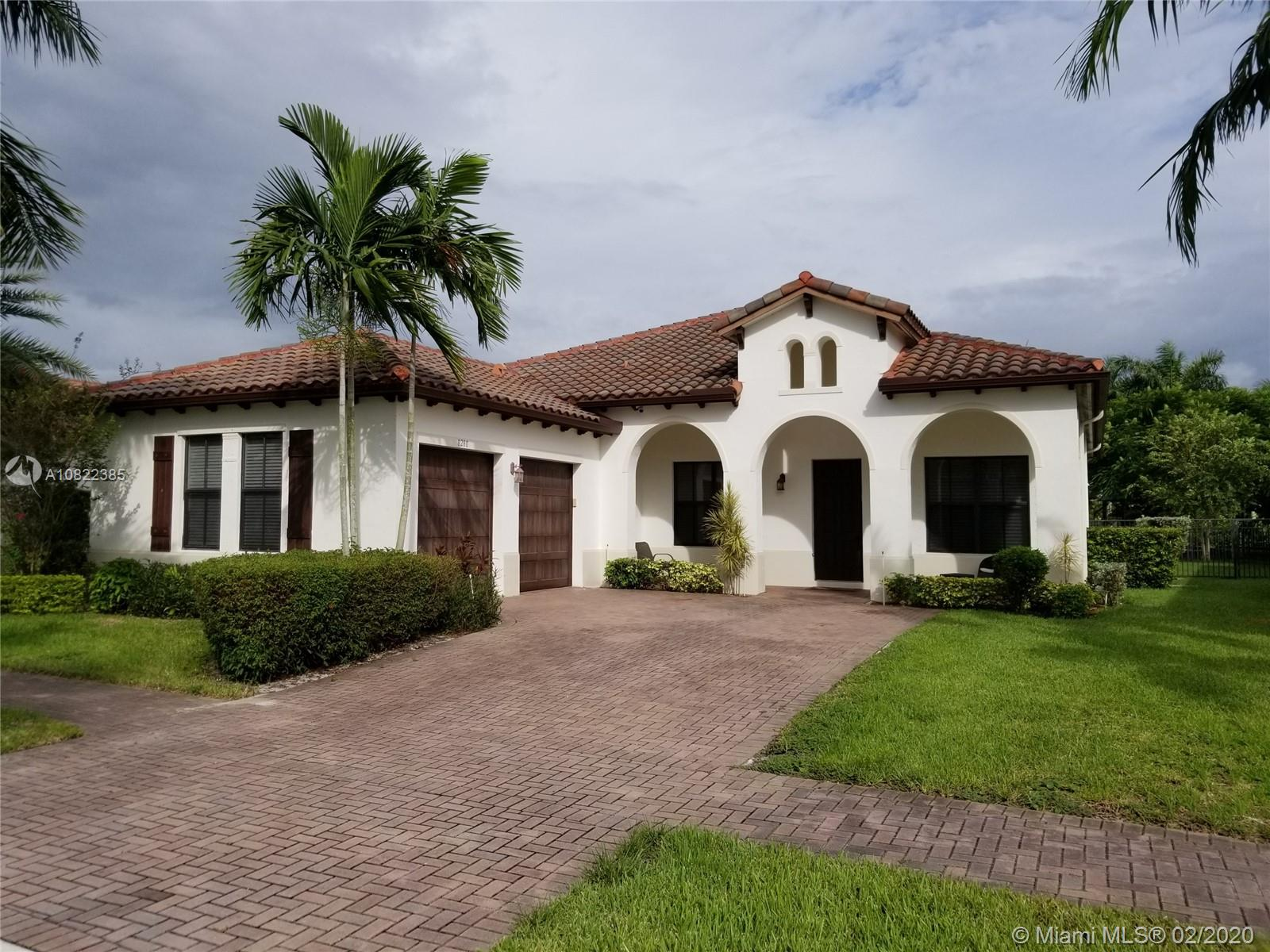 8280 NW 28th St, one of homes for sale in Cooper City