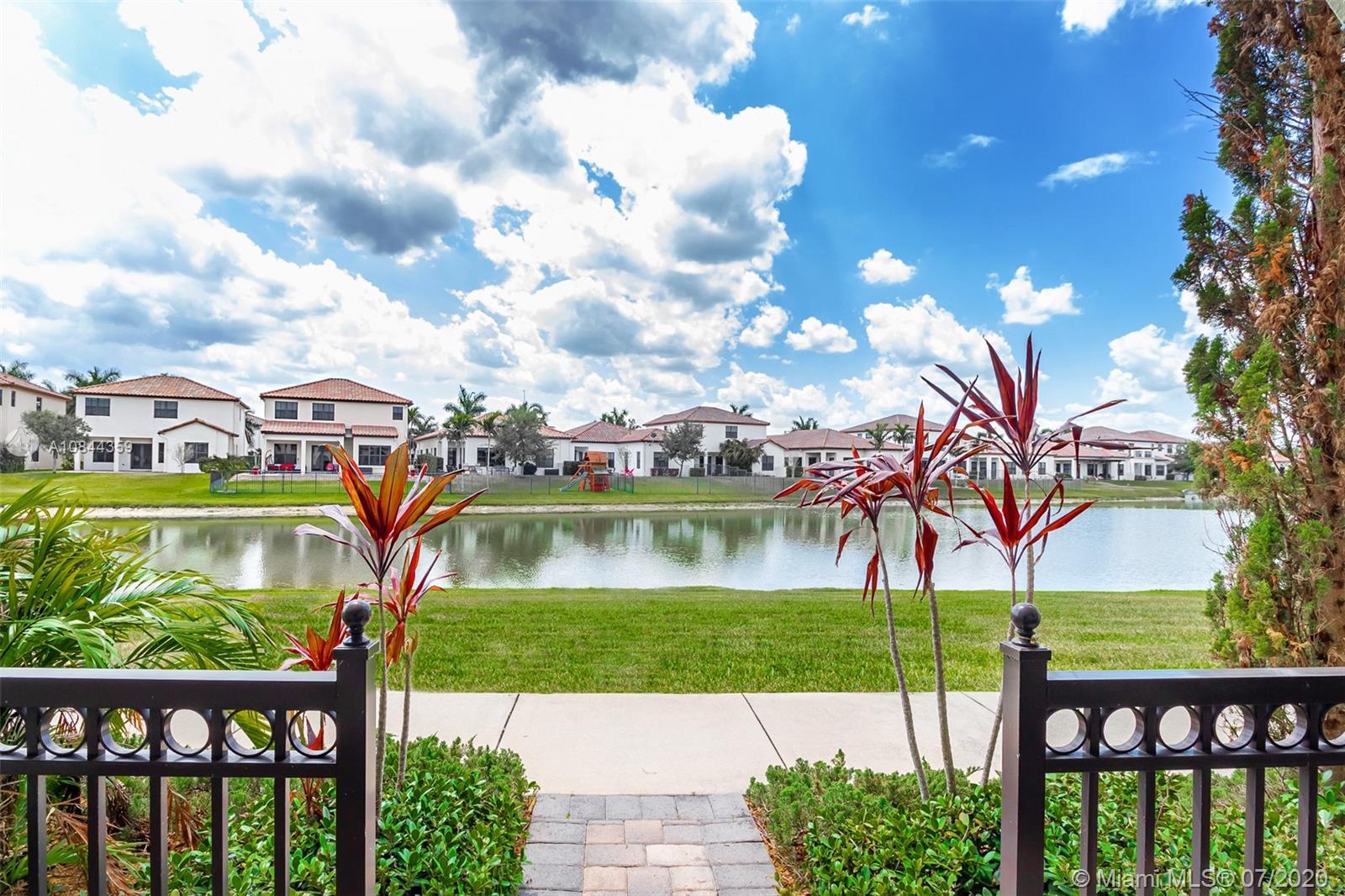4375 Cascada Cir, Cooper City, Florida