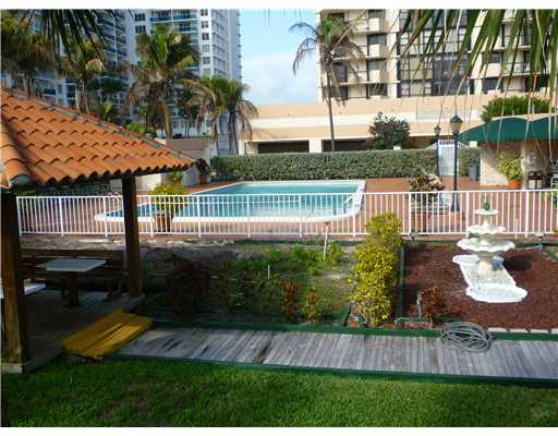 2401 Collins Ave # 1704, Miami Beach, FL 33140