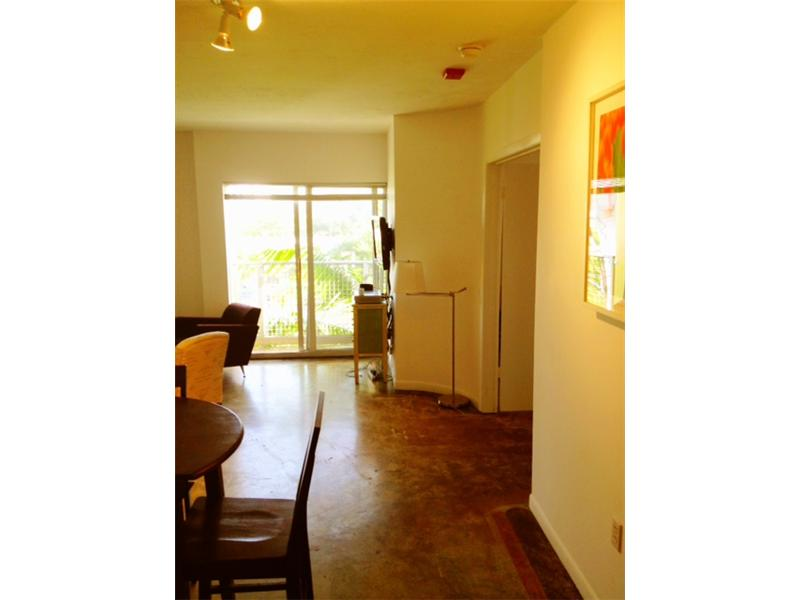 360 Collins Ave # 402, Miami Beach, FL 33139