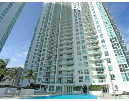 950 Brickell Bay Dr # 4501, Miami, FL 33131