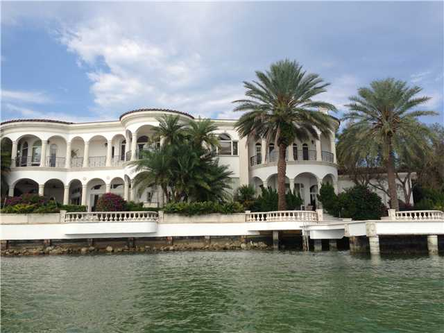 22 Harbor Pt, Key Biscayne, FL 33149
