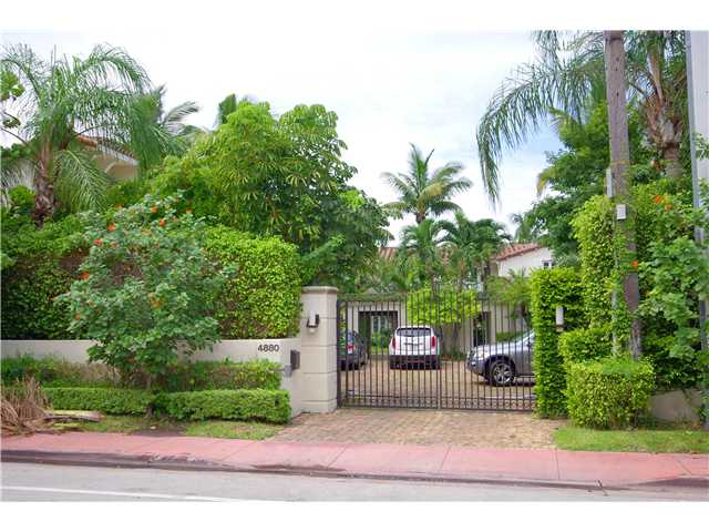 4880 Pine Tree Dr, Miami Beach, FL 33140