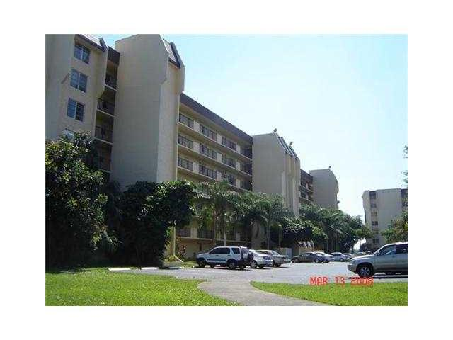 Rental Homes for Rent, ListingId:34547517, location: 3100 West ROLLING HILLS CR Davie 33328
