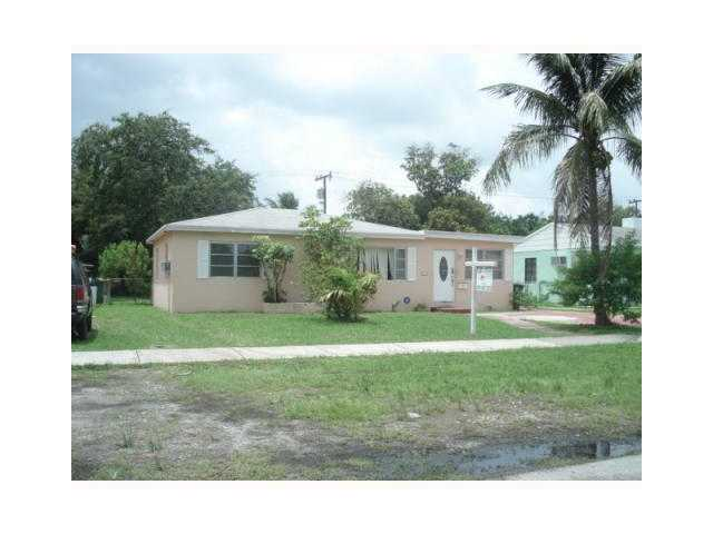 980 NE 143rd St, North Miami, FL 33161