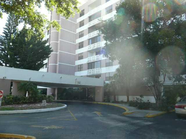 919 Hillcrest Dr # 415, Hollywood, FL 33021