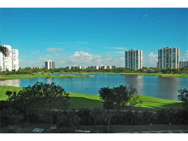 20000 E Country Club Dr # 412, Miami, FL 33180