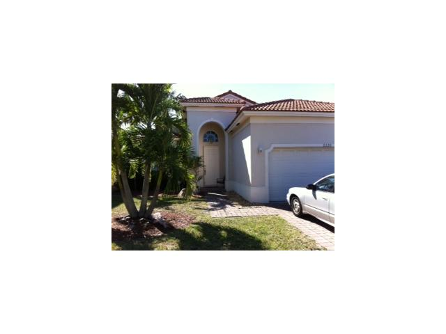 2220 NE 41st Ave, Homestead, FL 33033