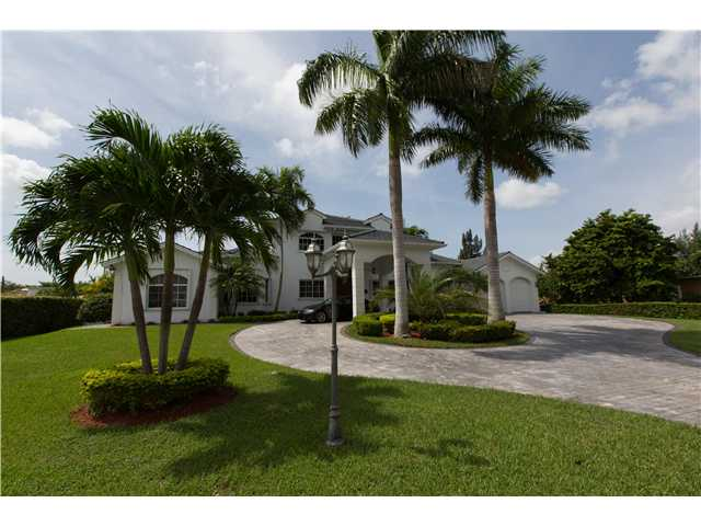 1022 Hunting Lodge Dr, Miami Springs, FL 33166