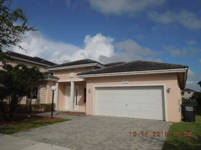 387 NE 30th Ave, Homestead, FL 33033