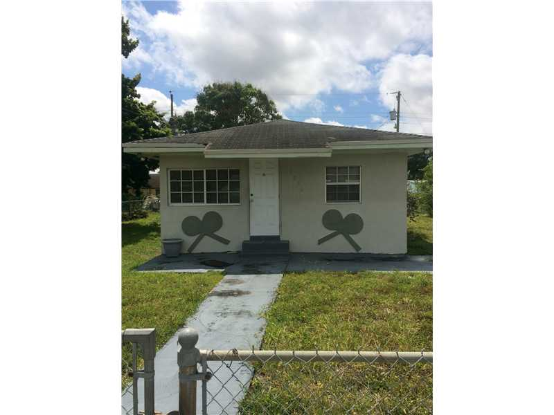 2350 NW 152nd St, Opa-Locka, FL 33054