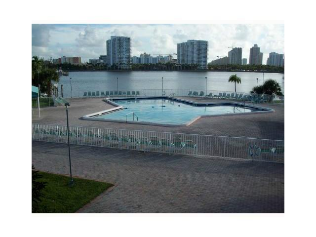 2980 E Point Dr # D-312, North Miami Beach, FL 33160