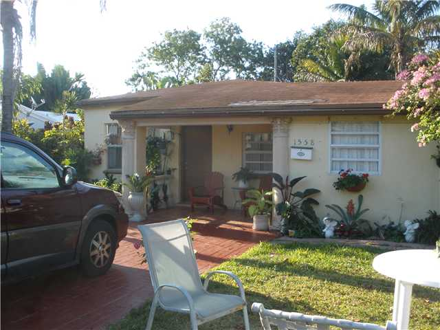 1558 NE 177th St, North Miami Beach, FL 33162