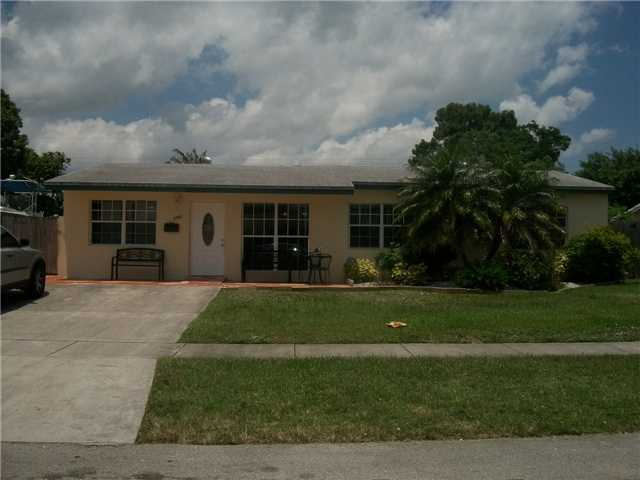 6981 Coolidge St, Hollywood, FL 33024
