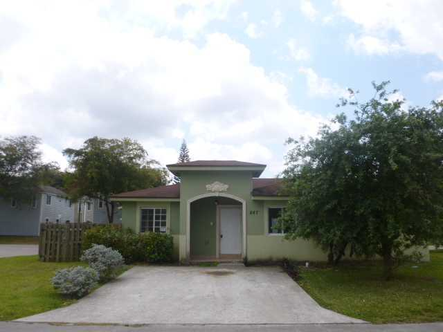 847 SW 7 PZ, Homestead, FL 33034