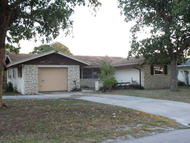 302 SW 4th Ave, Boynton Beach, FL 33435